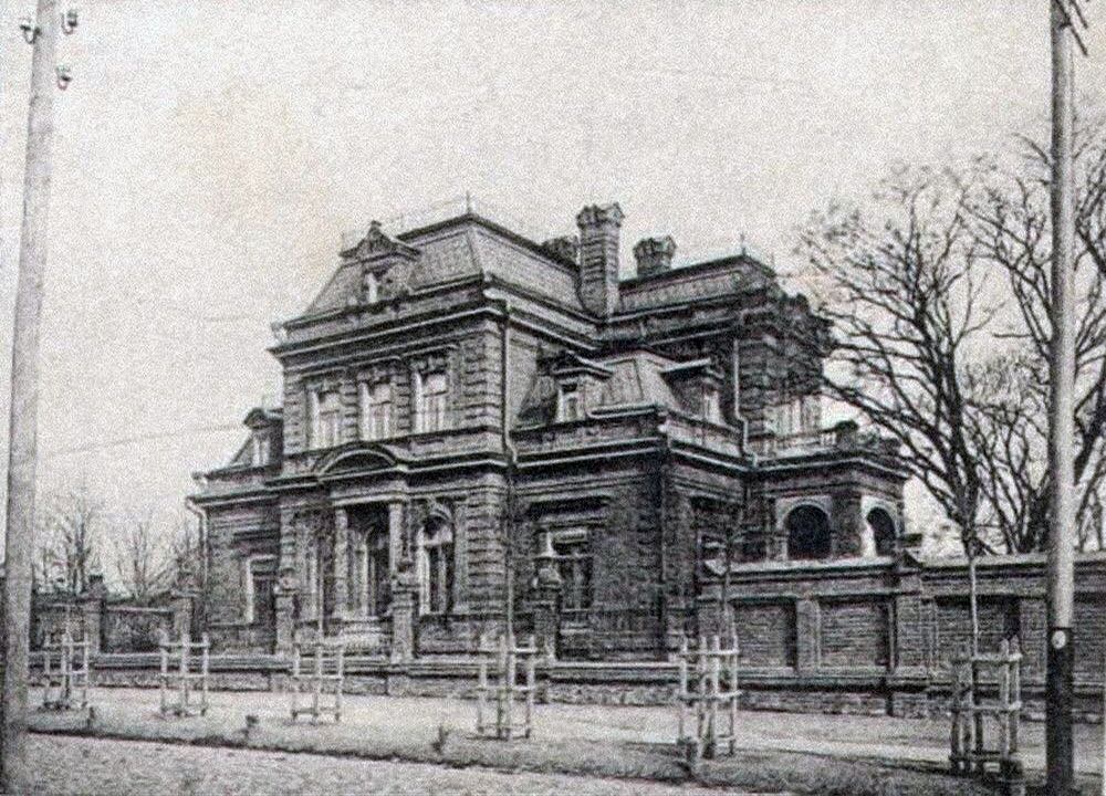 Дом Генриха Гельфериха на углу улиц Максимилиановской и Пушкинской. Фото: открытые источники