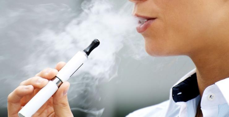 Курение табачных изделий до 18 лет дешевые сигареты с кнопкой купить